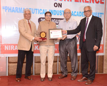 Dr. Satish Sharma Dean School of Pharmacy has received a National Award 'Nirali Recognition Award'